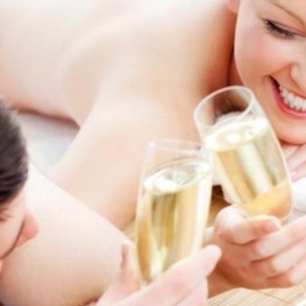 Champagne Lounge Massage